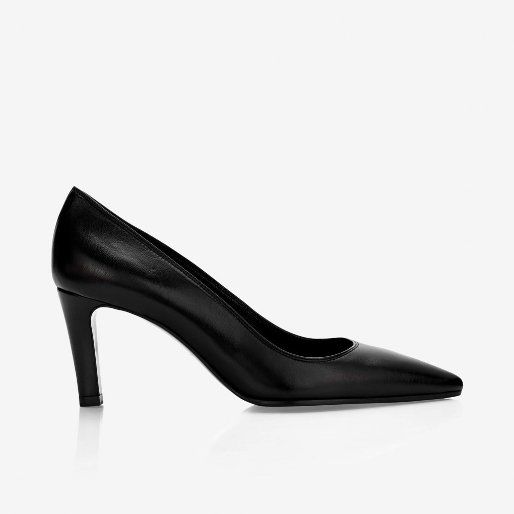 Pointed-toe heel