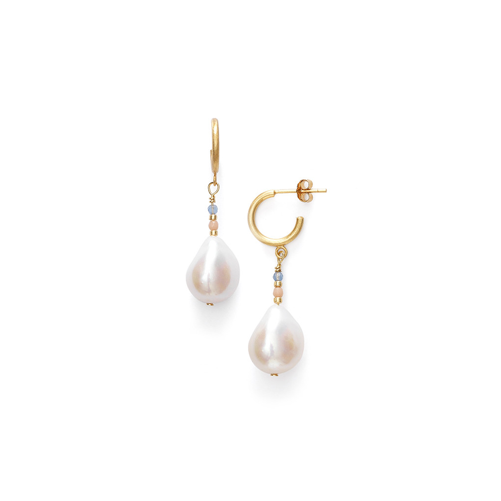 pearl in to cream peral gold stud earrings from product